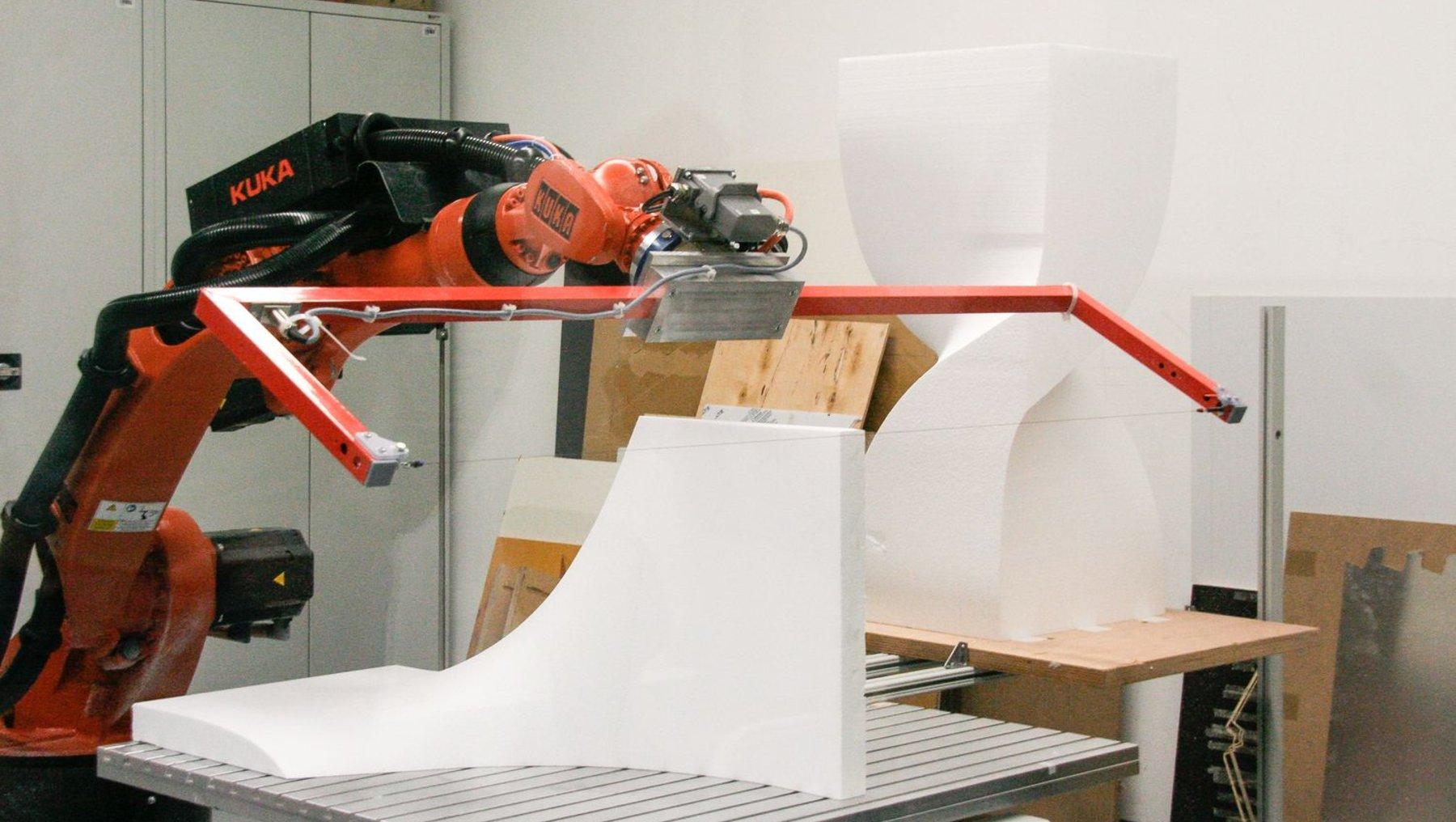 automatisiertes Schneiden einer Styroporschalung mittels Heißdraht